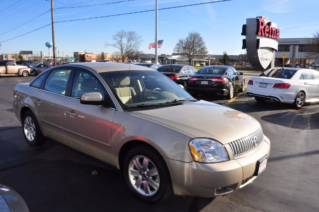 Used-2005-Mercury-Montego-Luxury