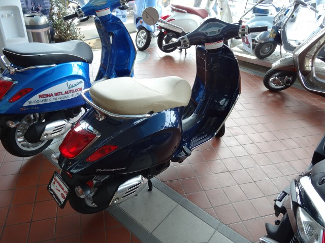 New-2015-Vespa-PrimaVera-150-3VIE