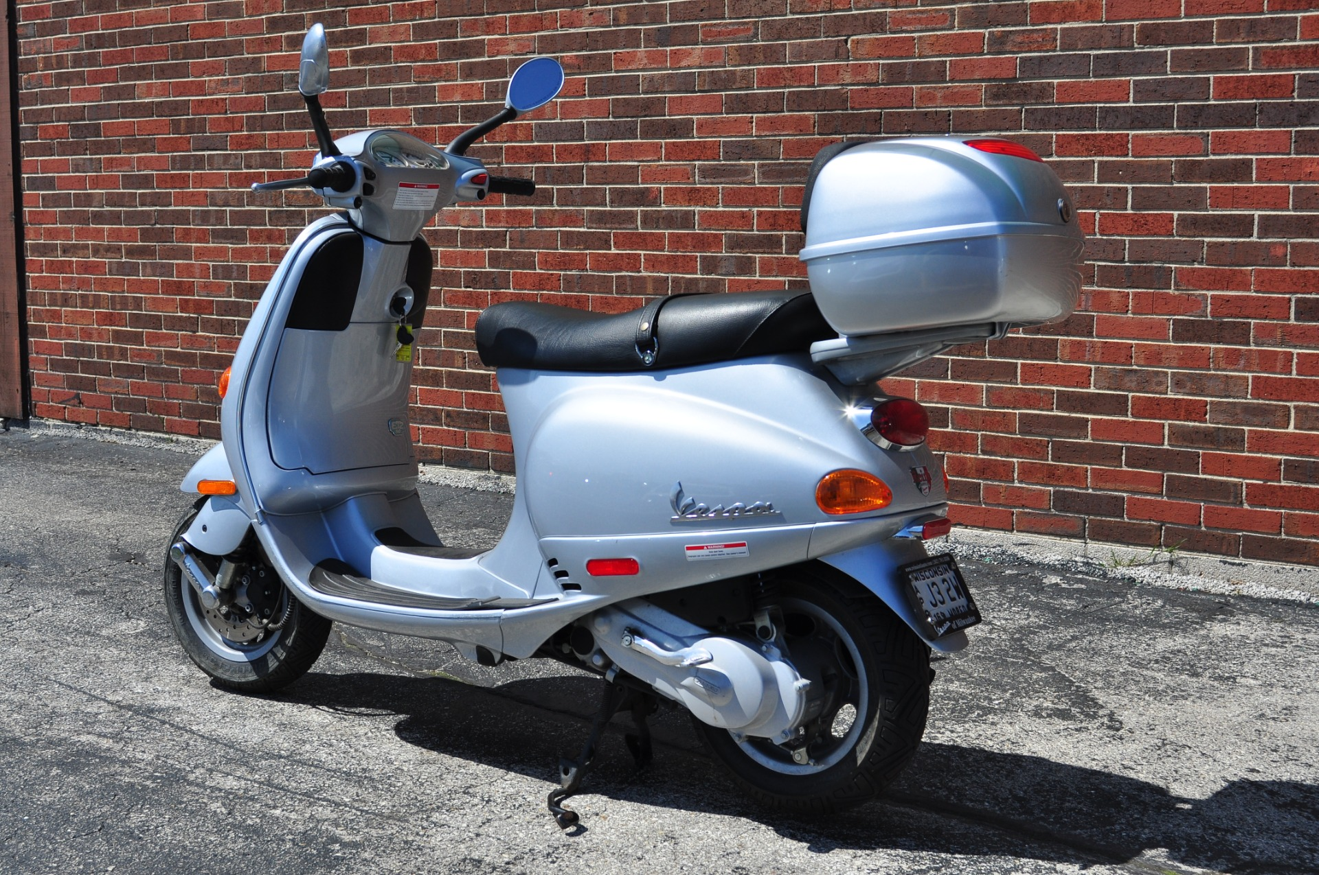 2005 vespa et2 50 stock 8744 for sale near brookfield. Black Bedroom Furniture Sets. Home Design Ideas