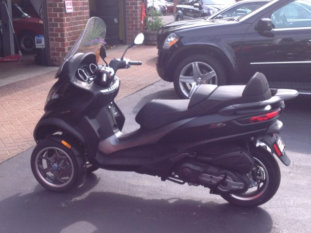 New-2018-Piaggio-MP3-500