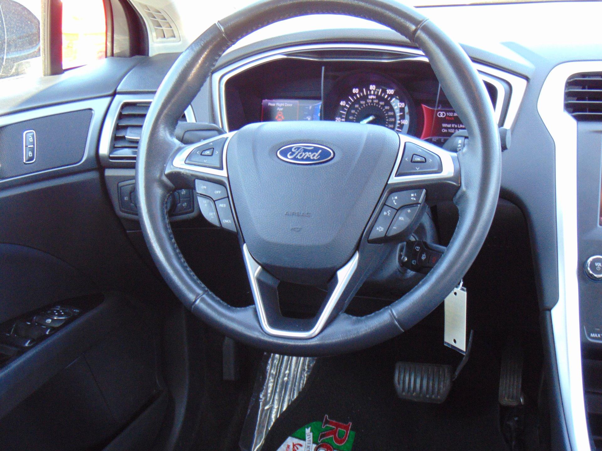 Used-2013-Ford-Fusion-SE