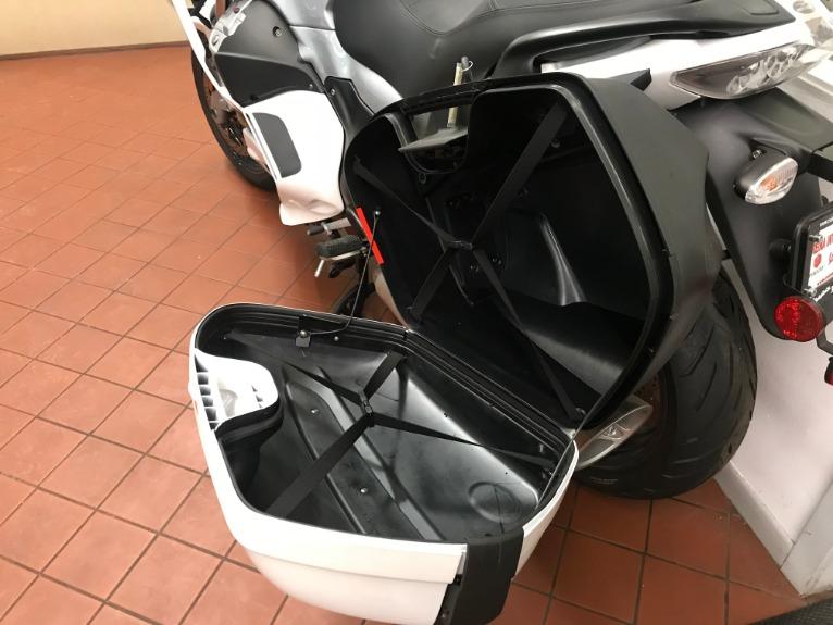 New-2016-Moto-Guzzi-Norge-1200-GT8V-Sport