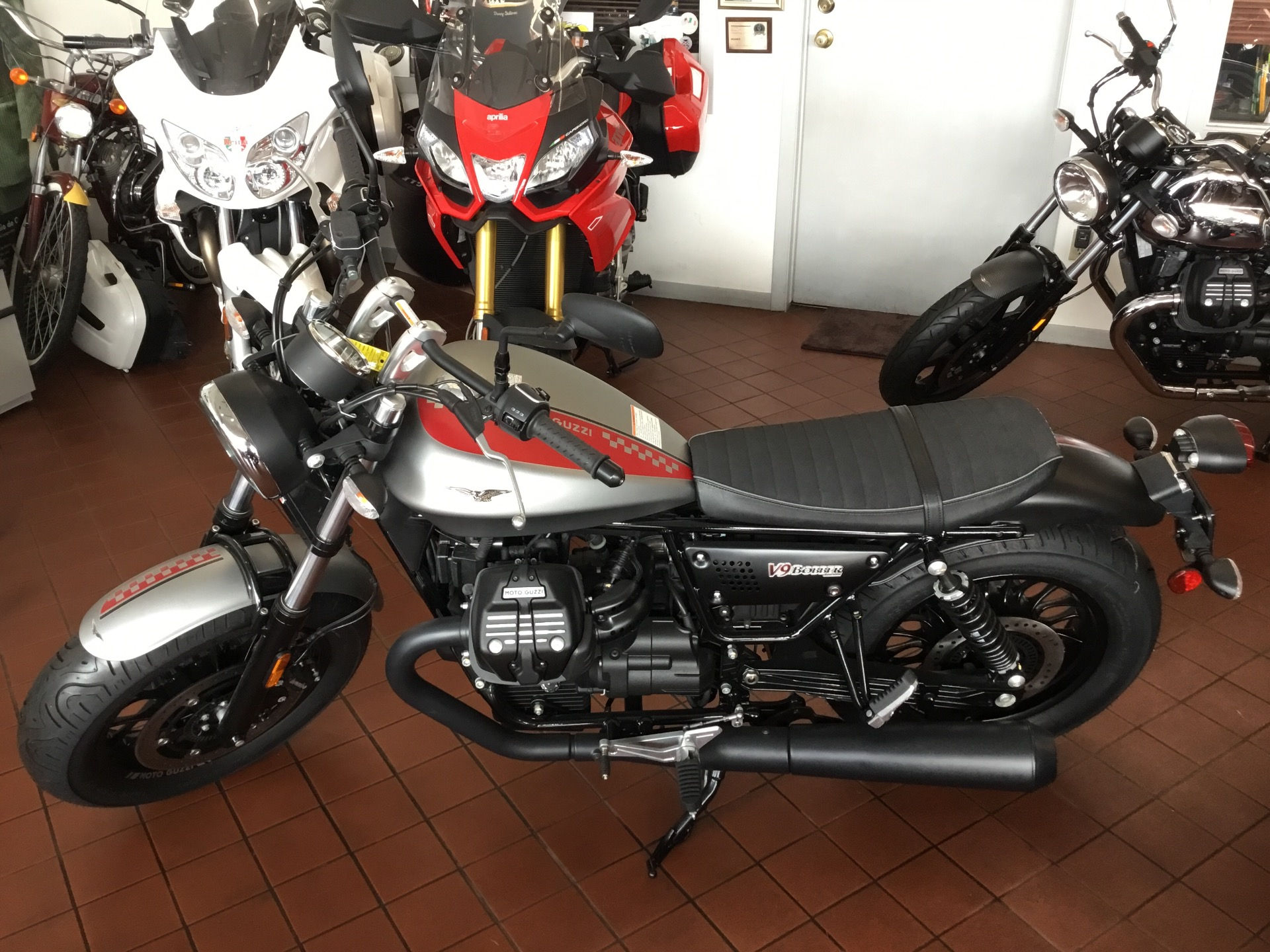 2017 moto guzzi v9 bobber stock 11047 for sale near. Black Bedroom Furniture Sets. Home Design Ideas