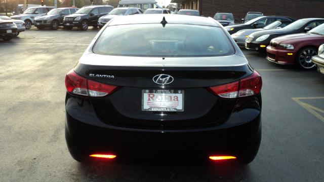 Used-2012-Hyundai-Elantra-GLS