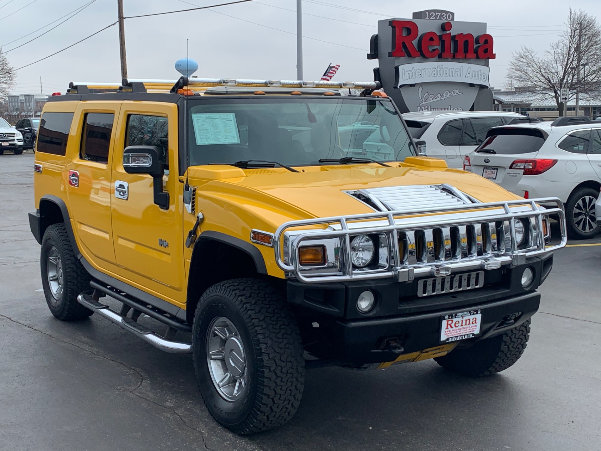 Used-2005-HUMMER-H2-Lux-Series-w/3rd-Row-Seat