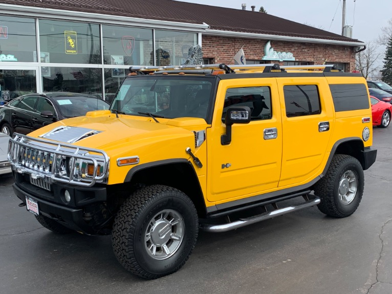 Used 2005 HUMMER H2 Lux Series w/3rd Row Seat | Brookfield, WI