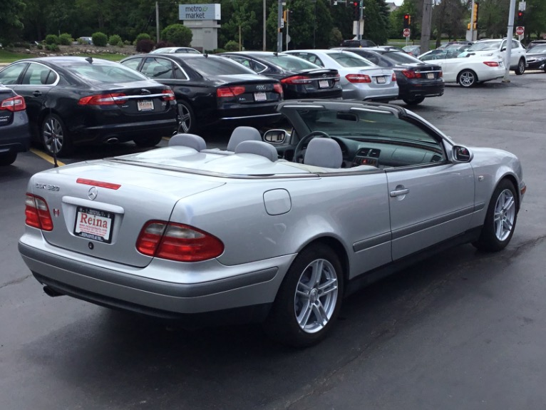 Used-1999-Mercedes-Benz-CLK-320-Convertible