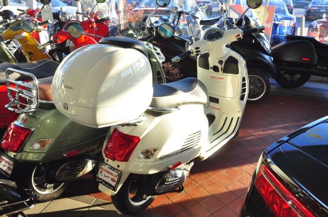 Used-2013-Vespa-GTS300-Super