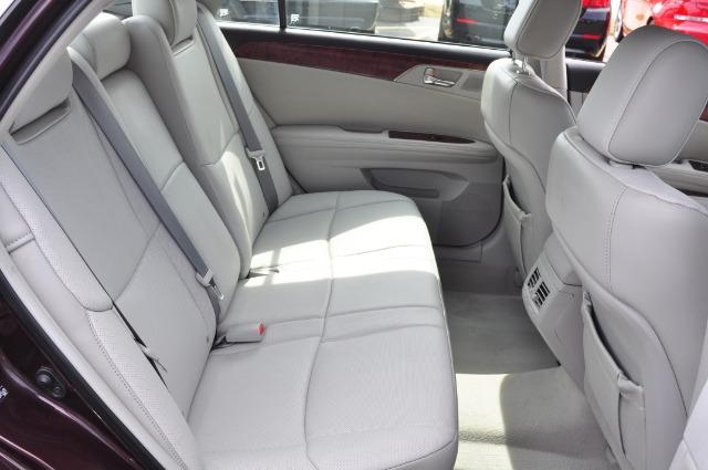 Used-2011-Toyota-Avalon-Limited