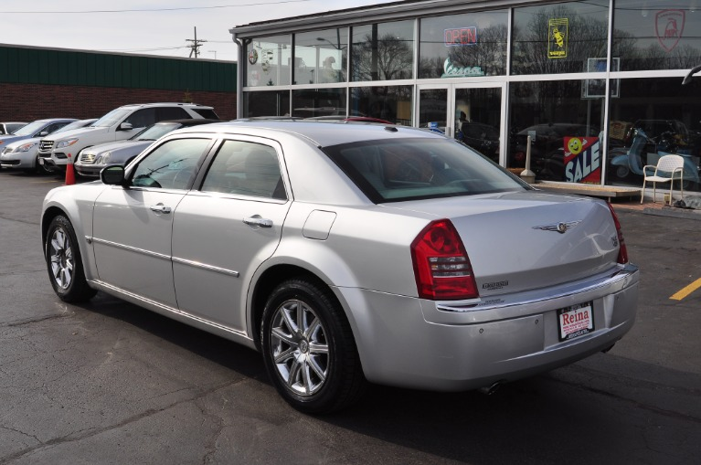 Used-2007-Chrysler-300-C
