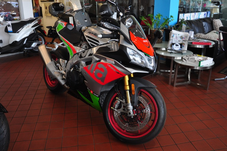New 2017 Aprilia RSV4 RF  | Brookfield, WI