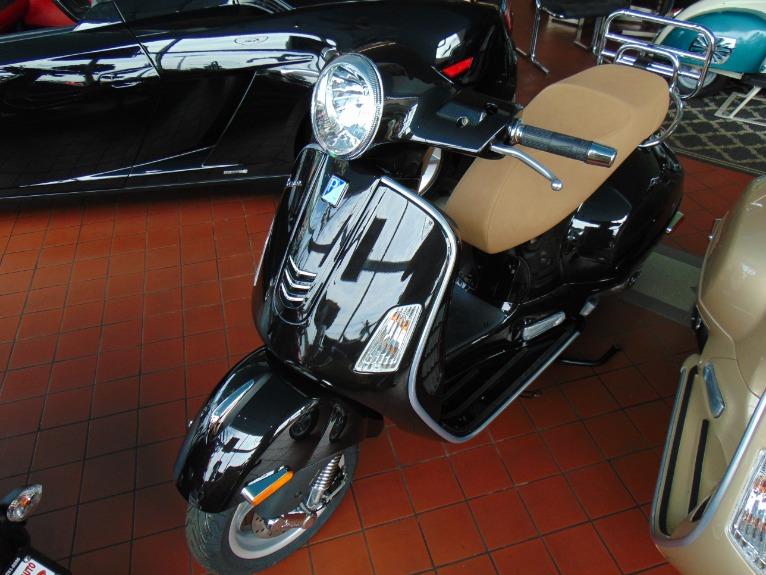 New-2018-Vespa-GTS300