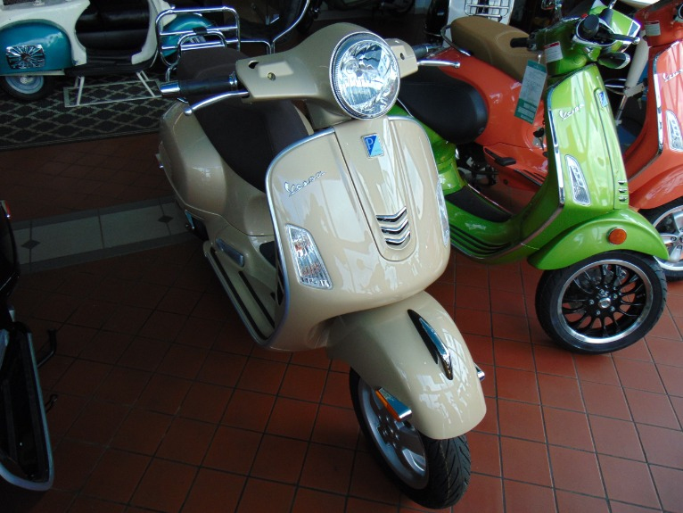 New 2018 Vespa GTS300  | Brookfield, WI