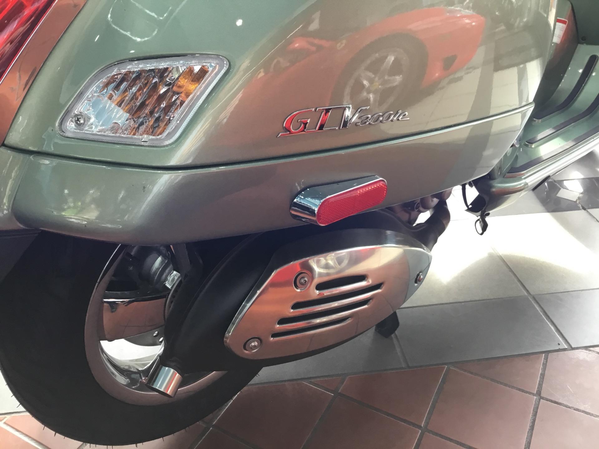 New-2017-Vespa-GTV300