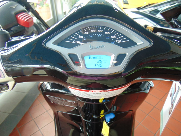 New-2015-Vespa-Primavera-150