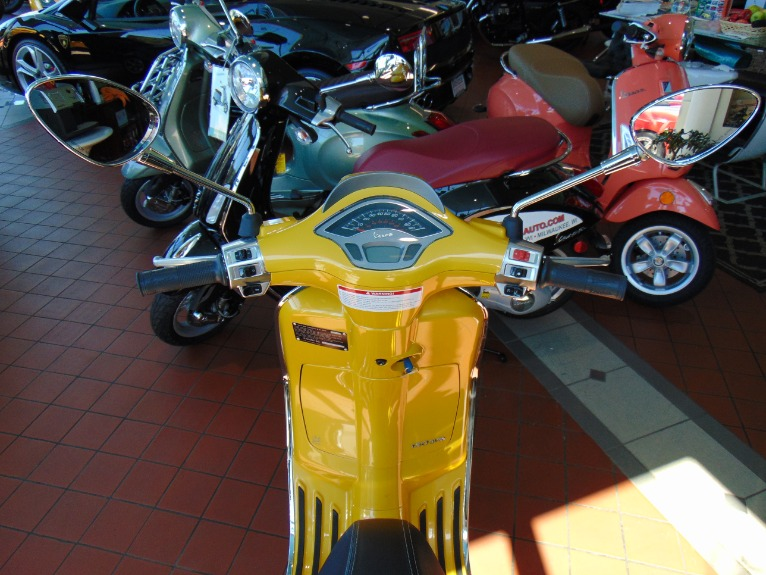 New-2016-Vespa-Sprint-150