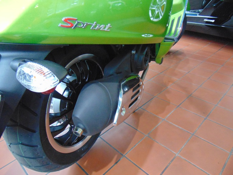 New-2018-Vespa-Sprint-50