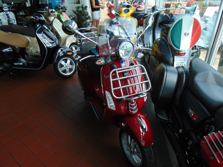 New-2019-Vespa-Primavera-150-Touring