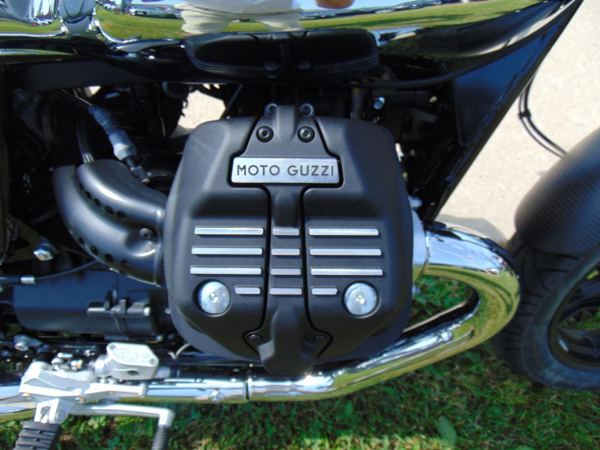 New-2018-MOTO-GUZZI-V7-III-CARBON-SHINE