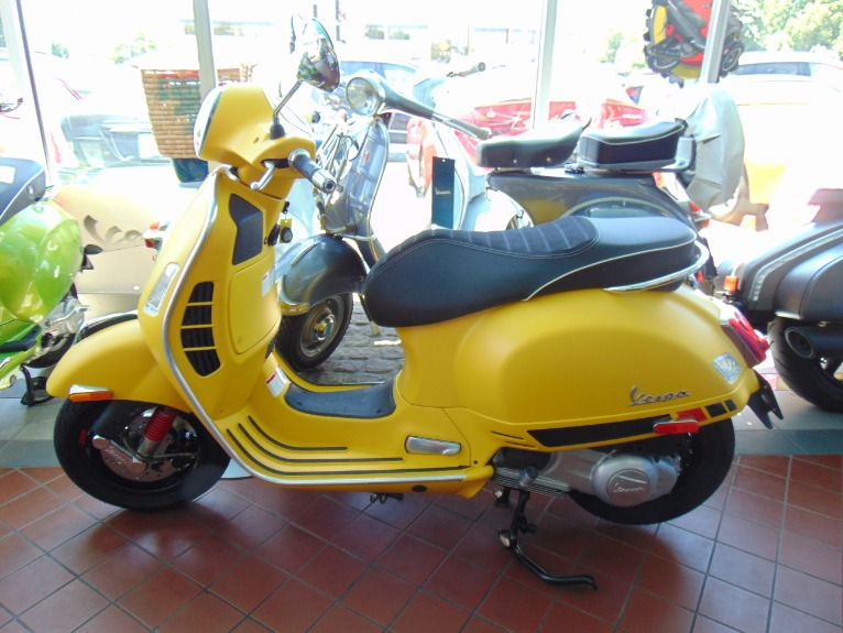 New-2018-VESPA-GTS-Super-Sport-300-ABS