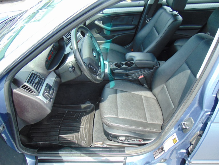 Used-2005-BMW-3-Series-330xi