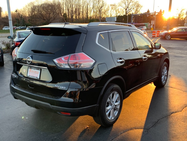 Used-2015-Nissan-Rogue-SV