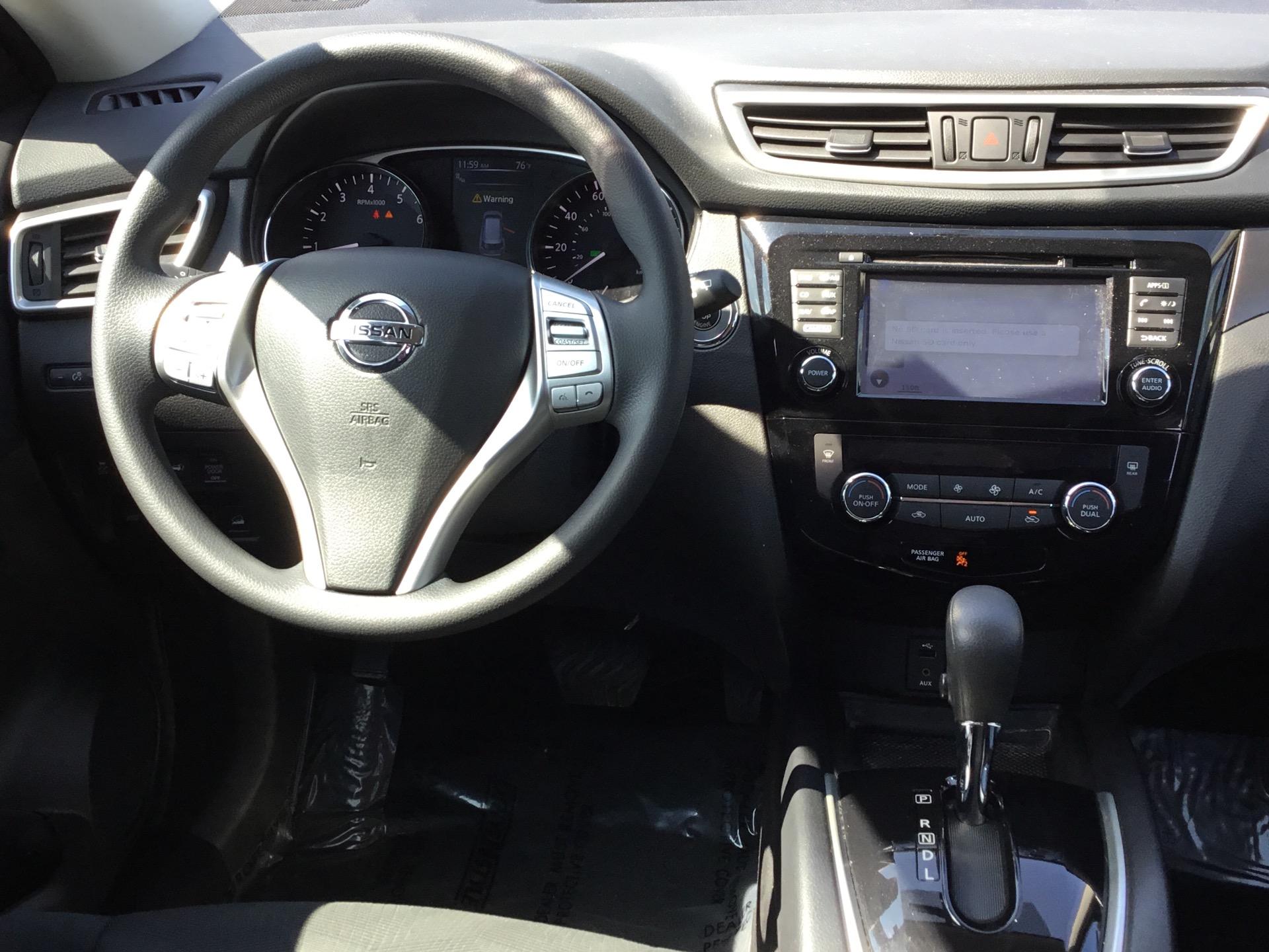 Used-2015-Nissan-Rogue-SV-AWD