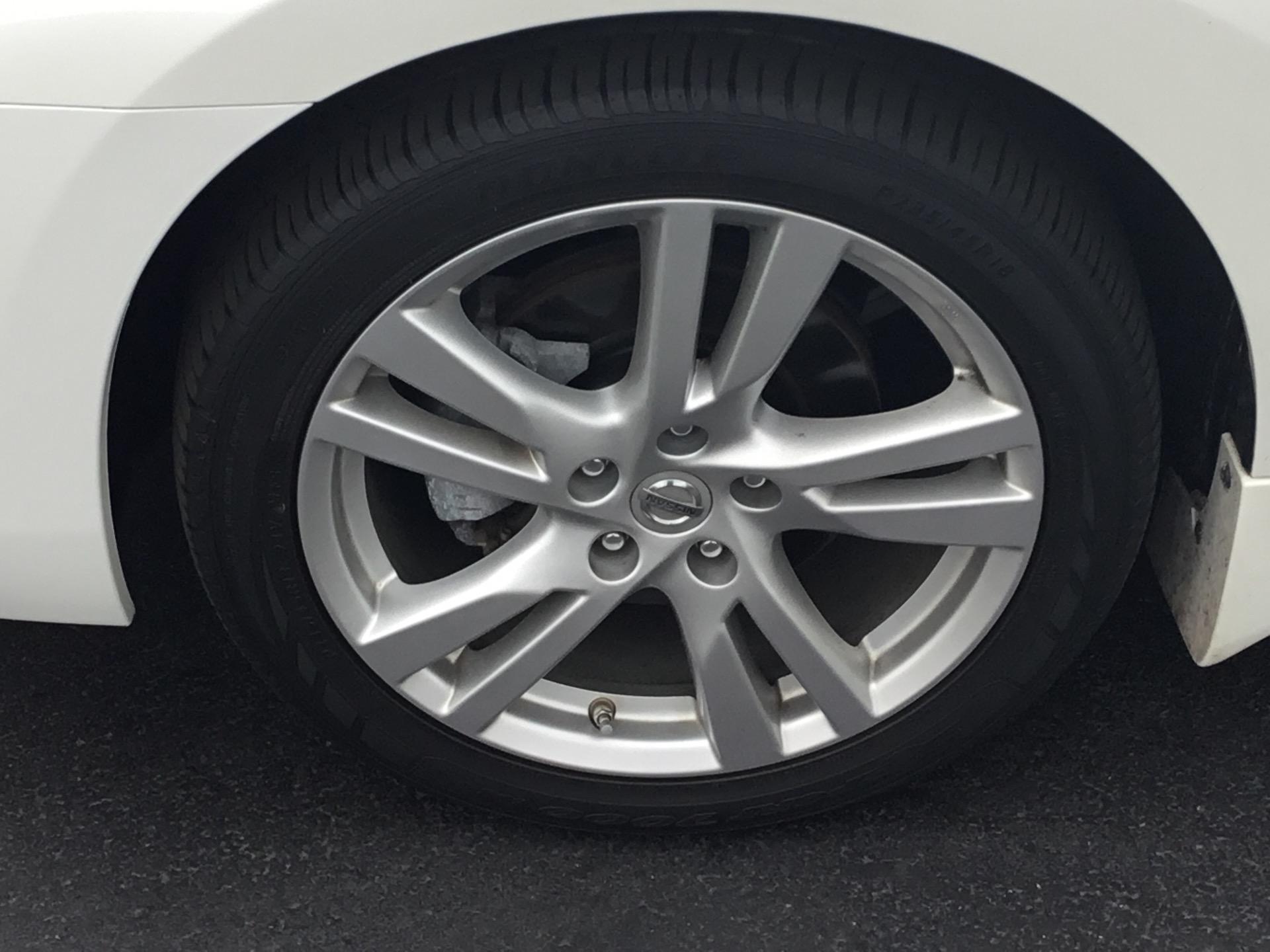 Used-2015-Nissan-Altima-35-SL