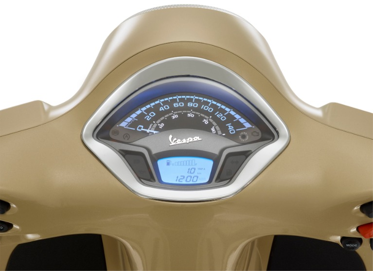 New-2019-Vespa-GTS-300