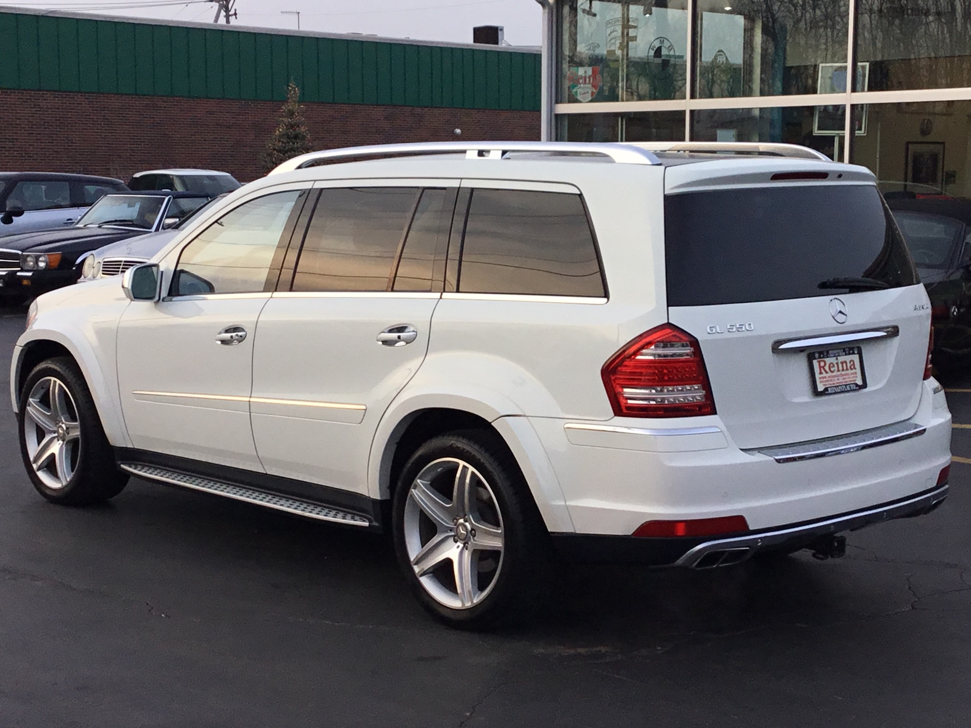 Used-2010-Mercedes-Benz-GL550-4-Matic-AMG-Sport