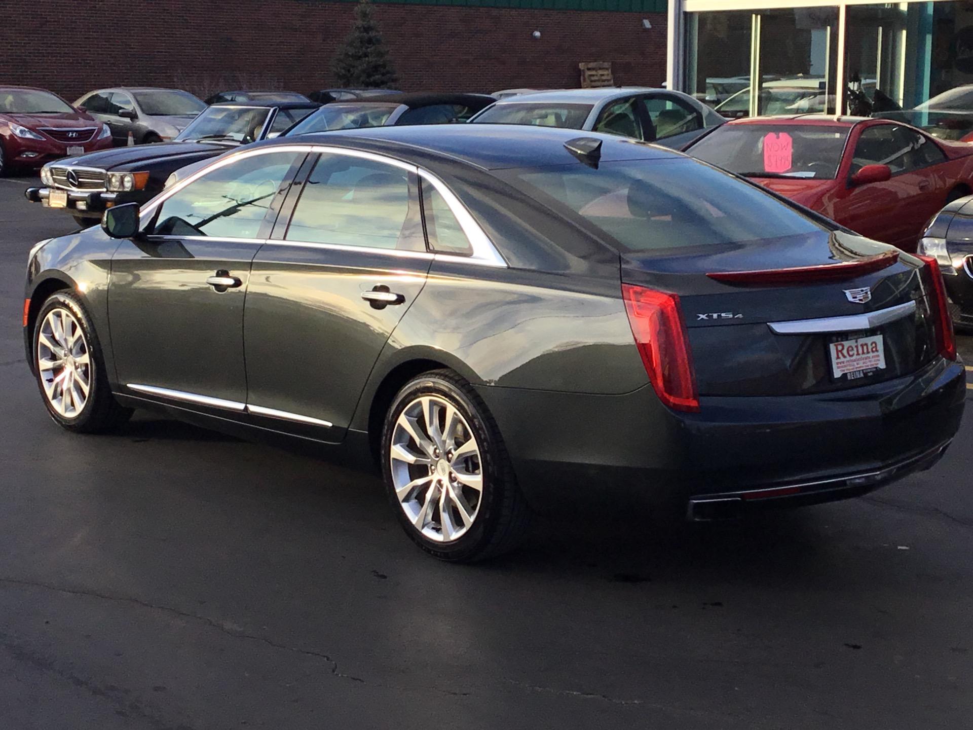 Used-2016-Cadillac-XTS-Luxury-AWD