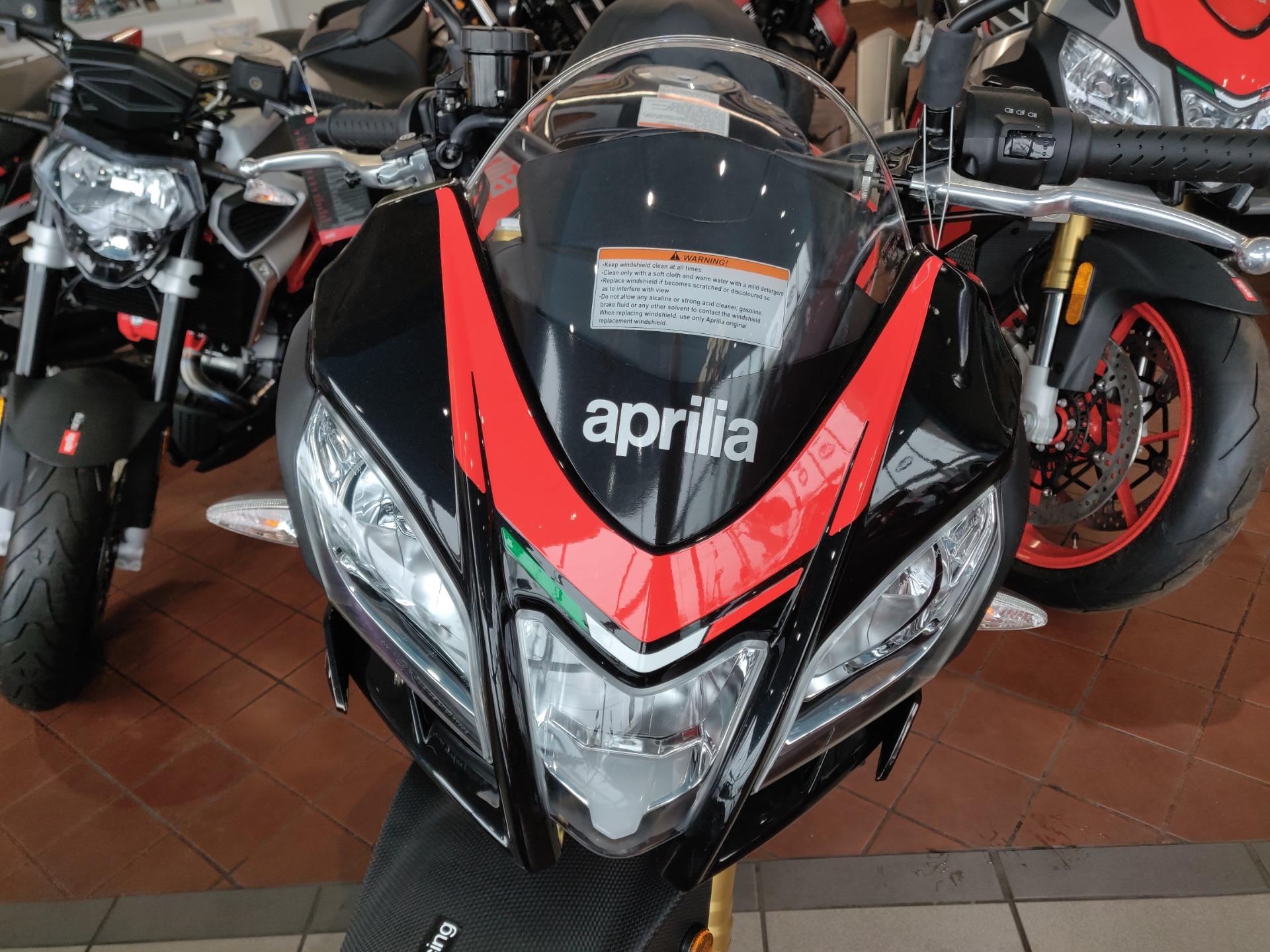 New-2018-Aprilia-Tuono-V4-1100-RR