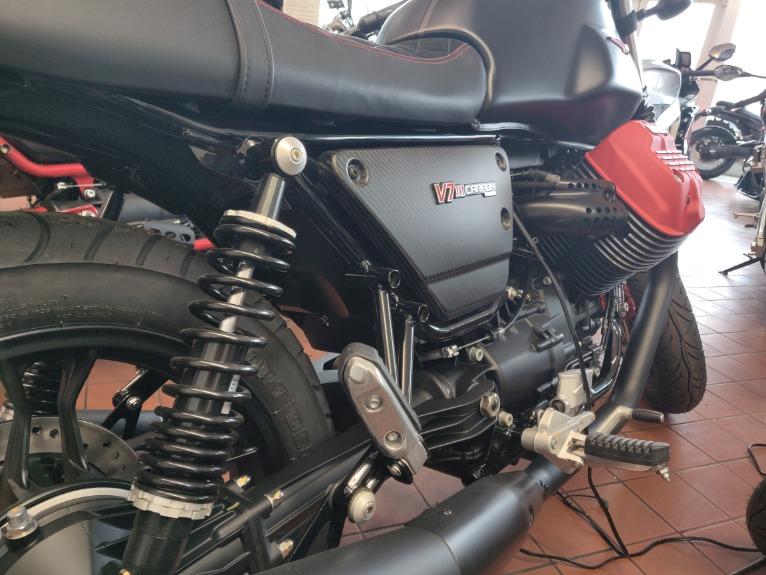 New-2018-Moto-Guzzi-V7-III-Carbon-Dark