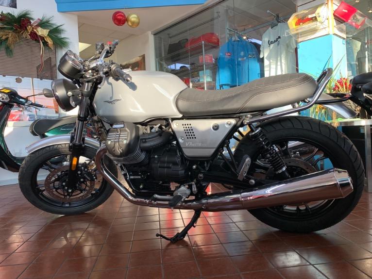 New-2018-Moto-Guzzi-V7-III-Milano
