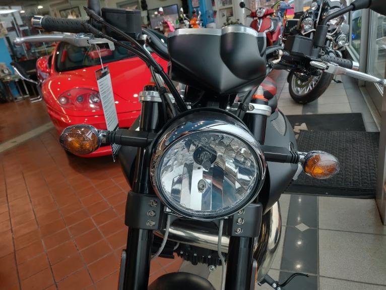 New-2017-Moto-Guzzi-Griso-1200-SE