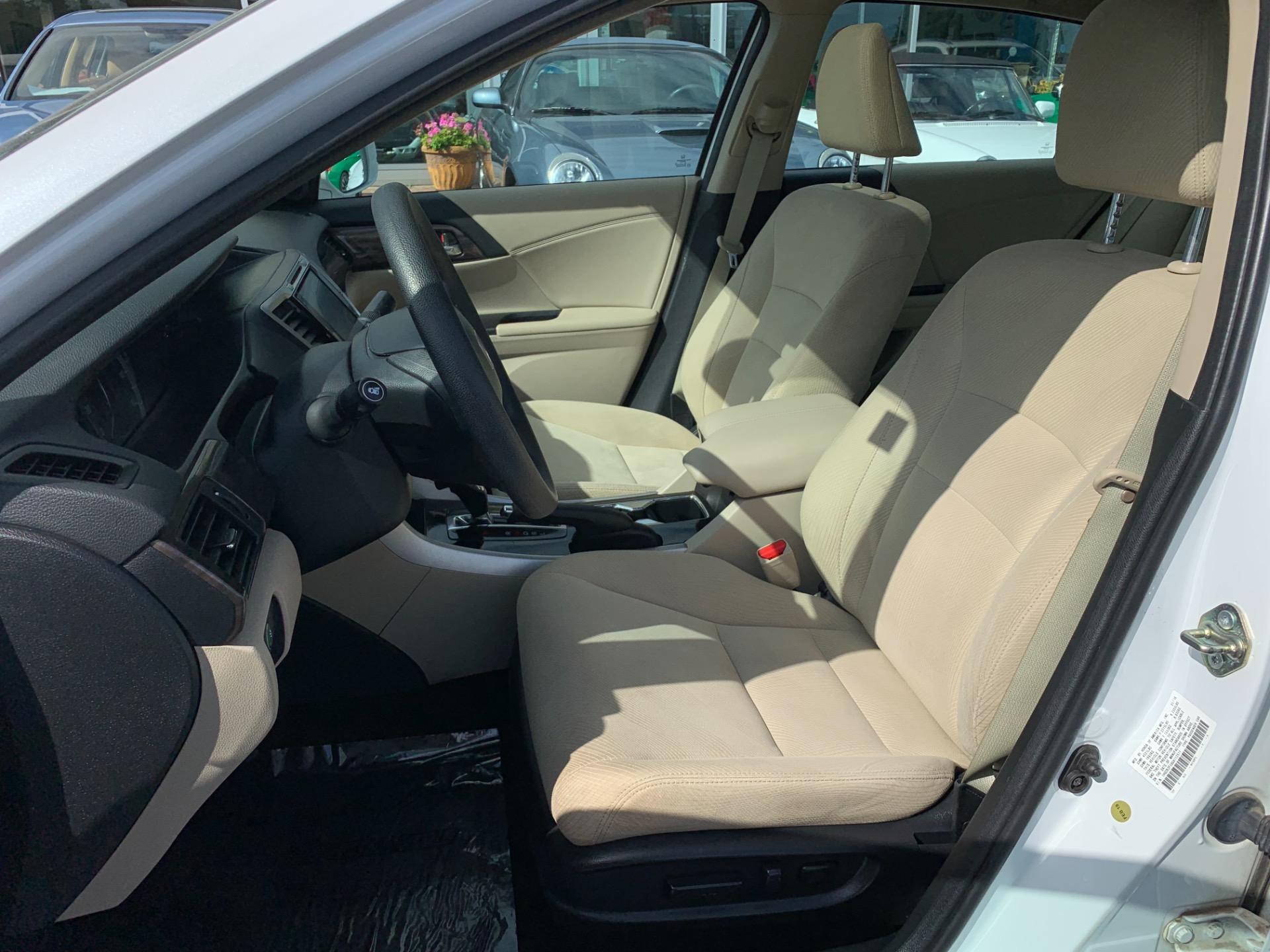 Used-2016-Honda-Accord-EX-w/Honda-Sensing