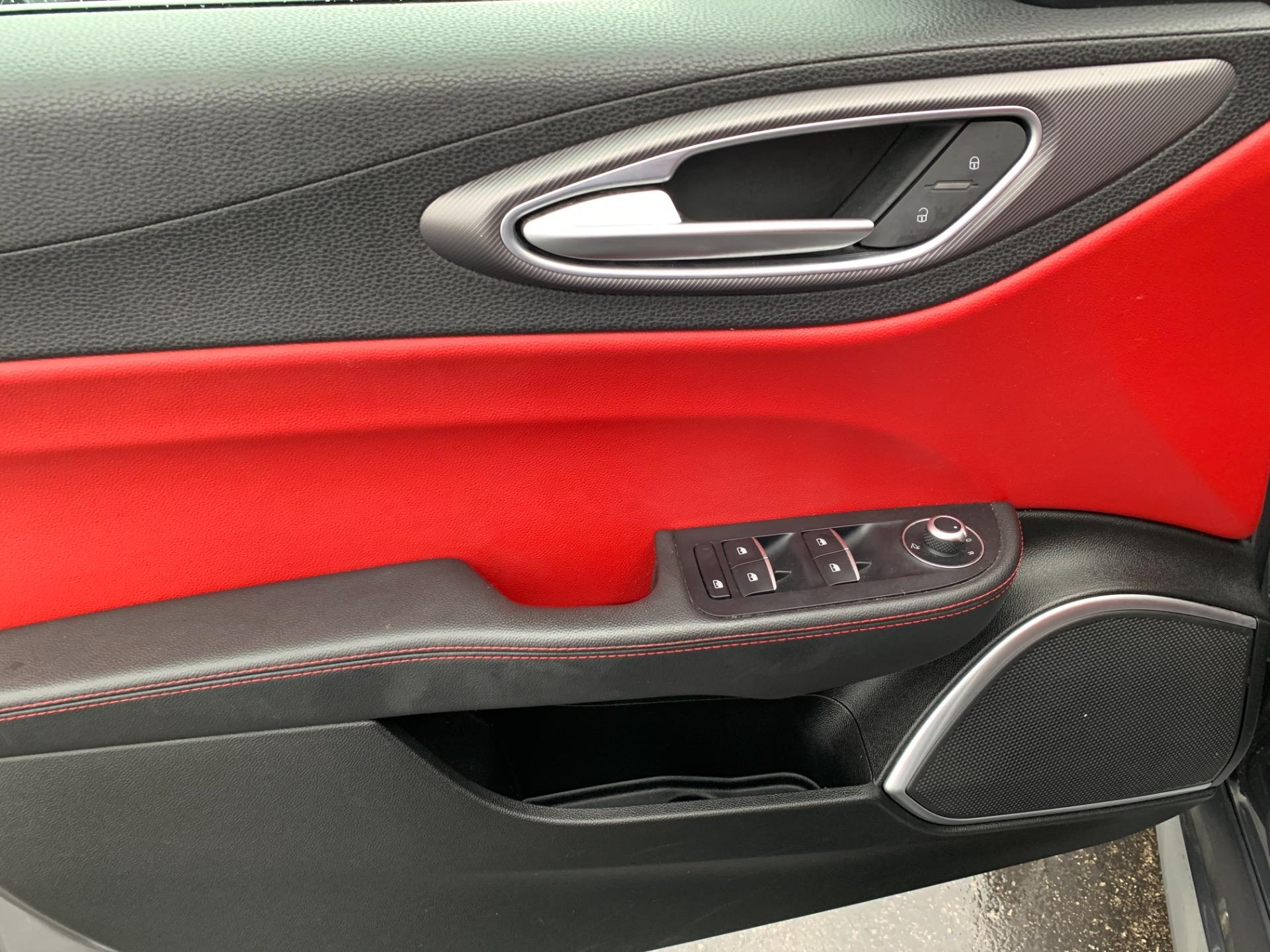 Used-2017-Alfa-Romeo-Giulia-Ti-Ti-awd