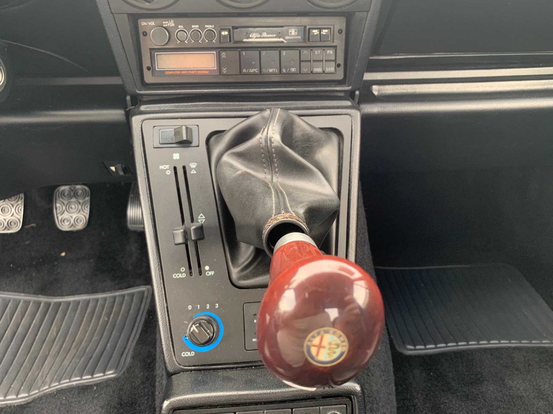 Used-1989-Alfa-Romeo-Spider-Veloce