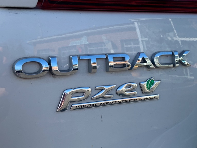 Used-2016-Subaru-Outback-25i-Limited-AWD