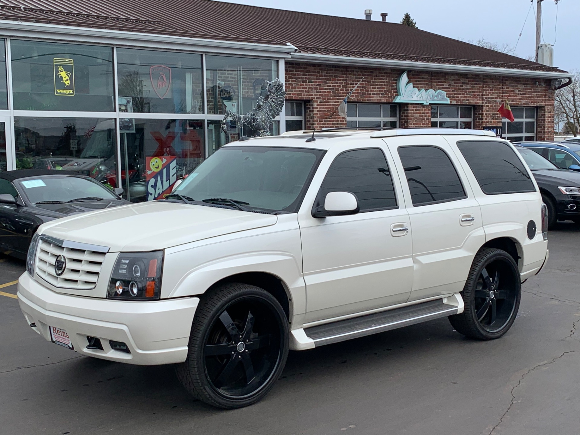 Used-2005-Cadillac-Escalade-AWD