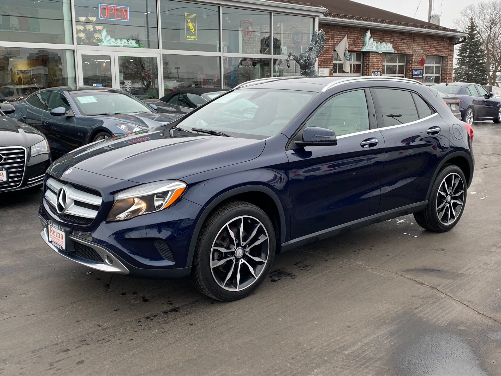 Used-2017-Mercedes-Benz-GLA-250-4-Matic-Sport