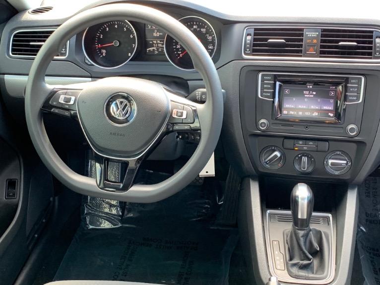 Used-2017-Volkswagen-Jetta-14T-S