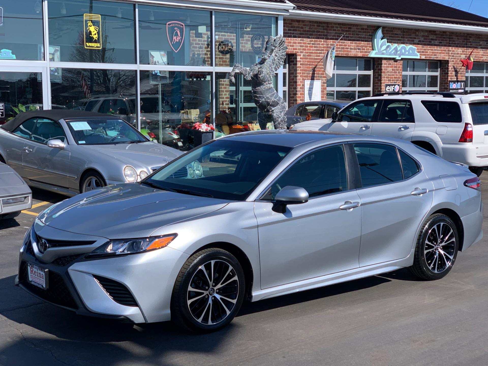 Used-2018-Toyota-Camry-SE-w/Adaptive-Cruise-Control