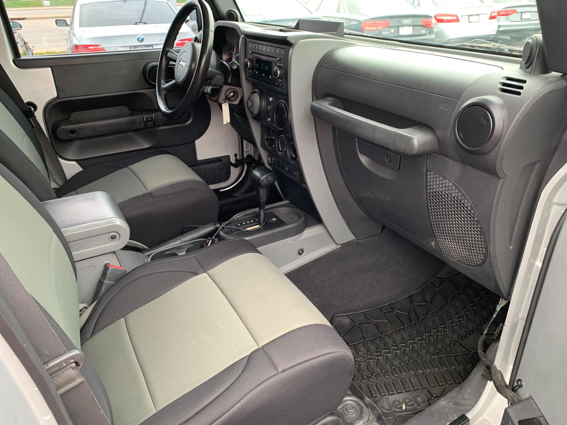 Used-2007-Jeep-Wrangler-Unlimited-Sahara-4x4-Rubicon-Express-Lift