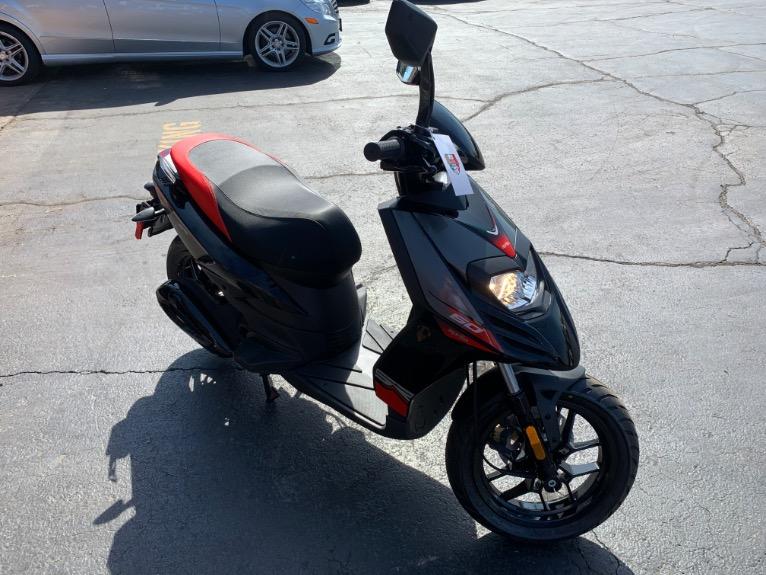 New-2020-Aprilia-SR-50