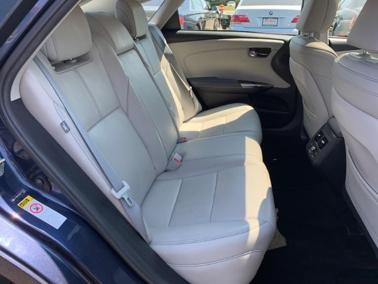 Used-2014-Toyota-Avalon-Limited