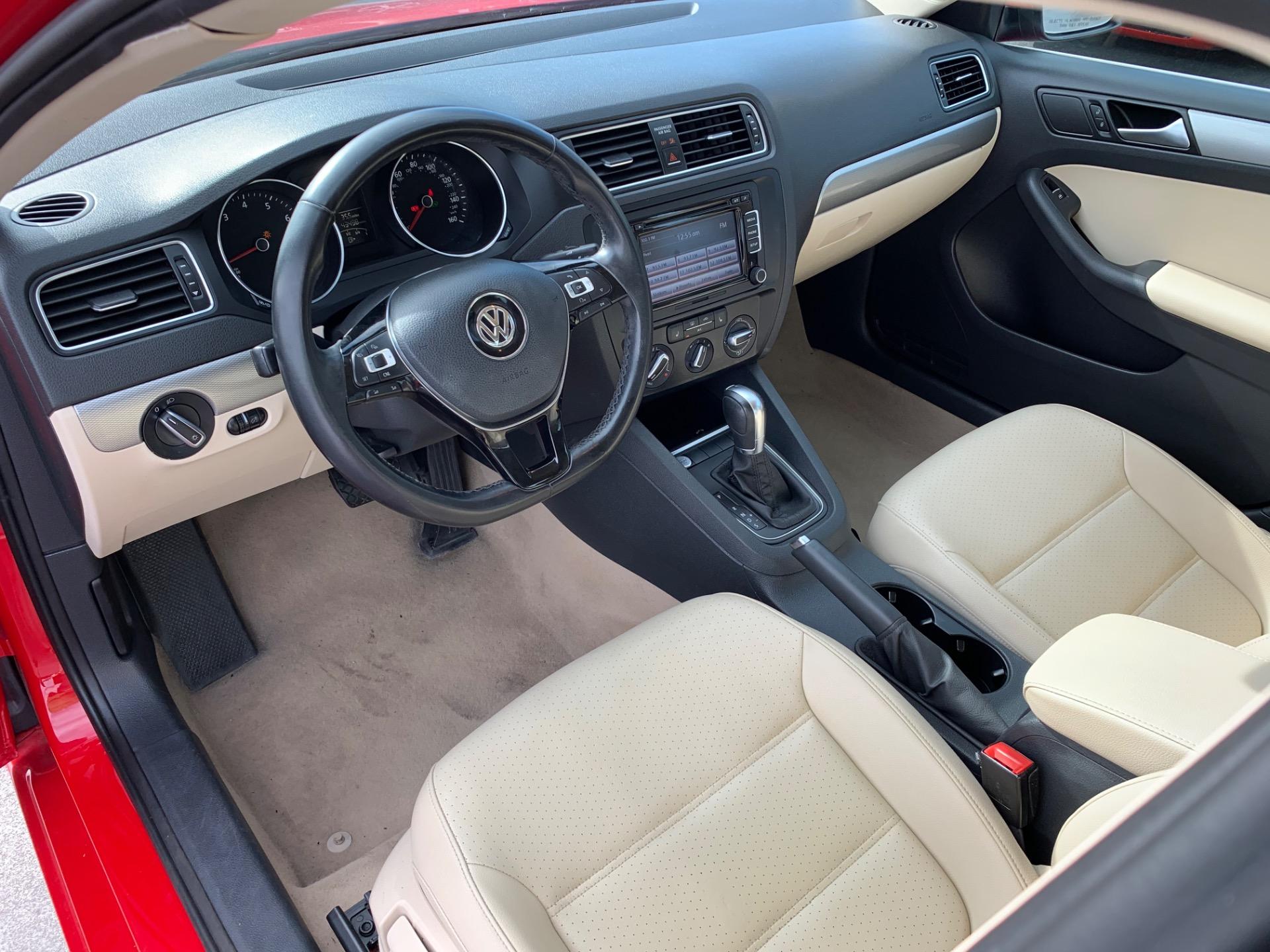 Used-2015-Volkswagen-Jetta-SE