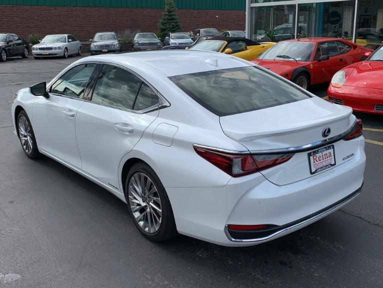 Used-2019-Lexus-ES-300h-Luxury