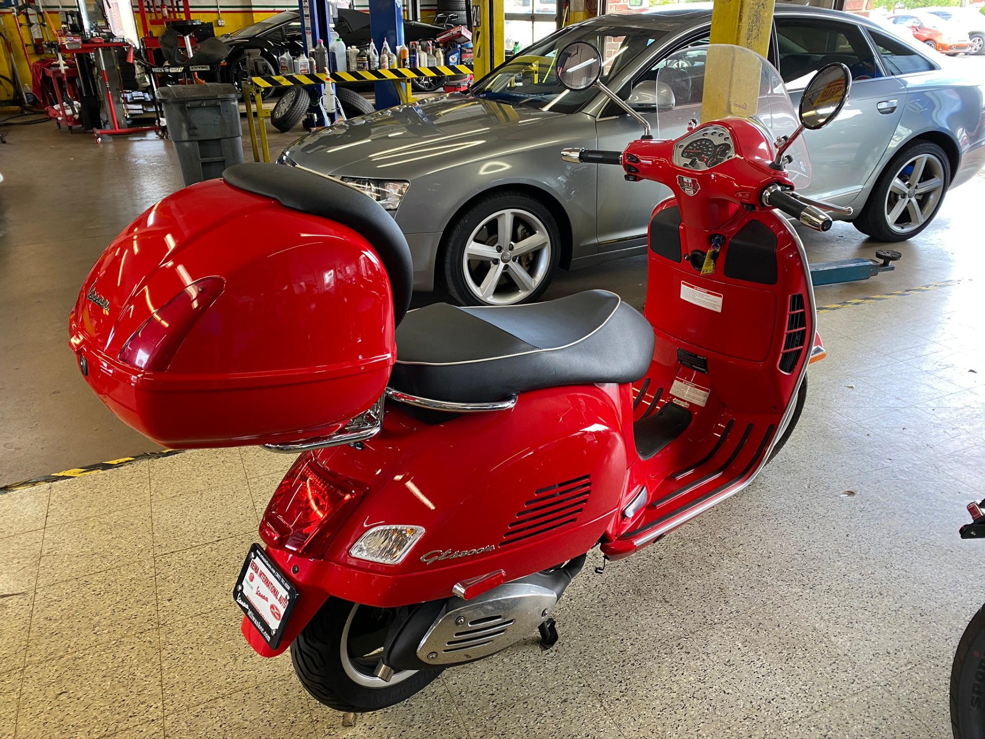 Used-2013-Vespa-GTS-Super-300cc