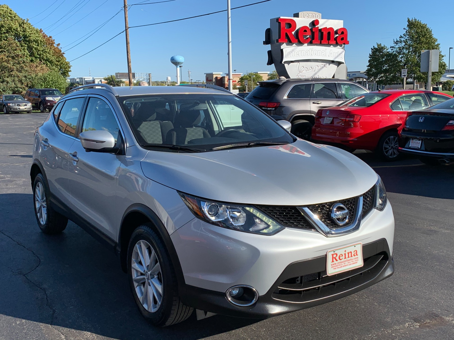 Used-2017-Nissan-Rogue-Sport-SV-AWD